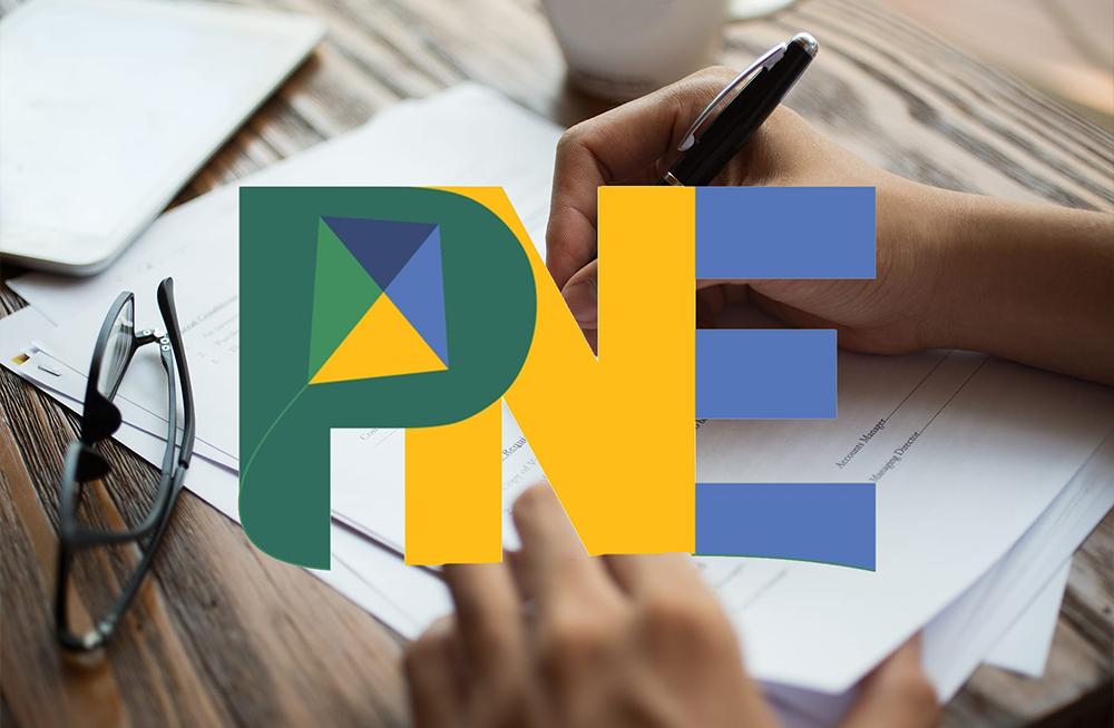 Como funciona o Plano Nacional de Educação para o Ensino Fundamental e Médio?